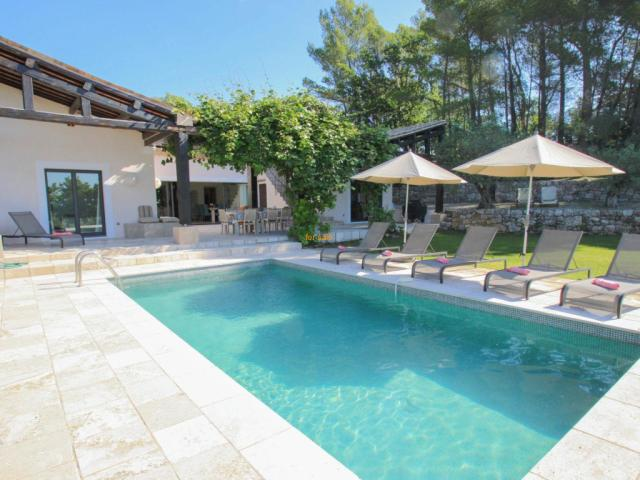 6 bedroom Country House in Seillans