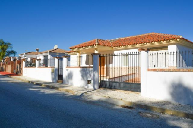 5 bedroom villa in Coin