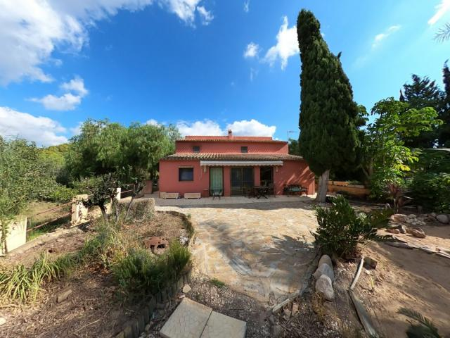 4 bedroom Country House in La Nucia
